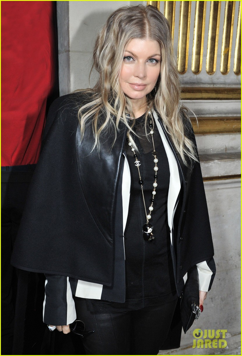fergie balmain fashion show with cher 02