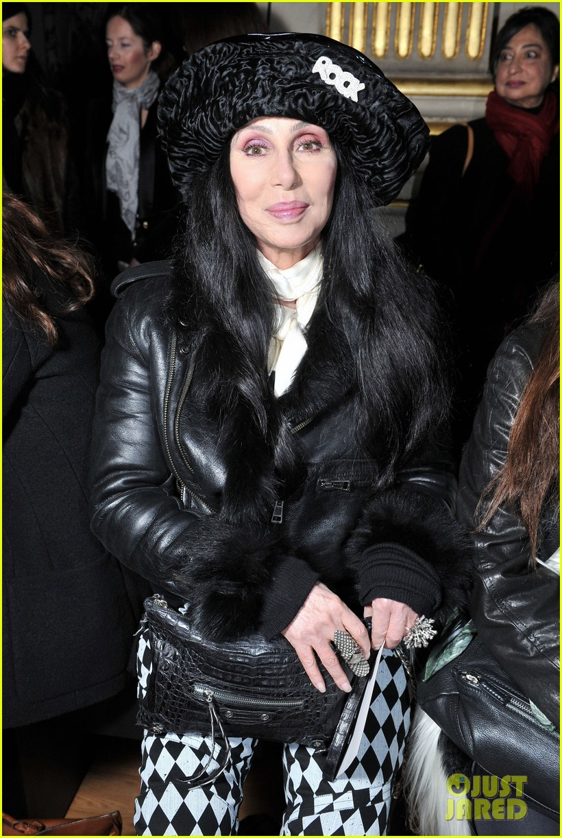 fergie balmain fashion show with cher 072822979