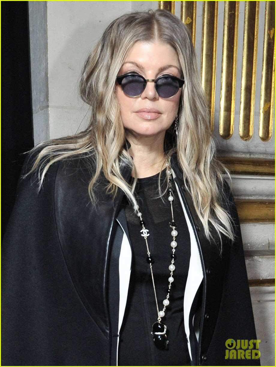 fergie balmain fashion show with cher 112822983