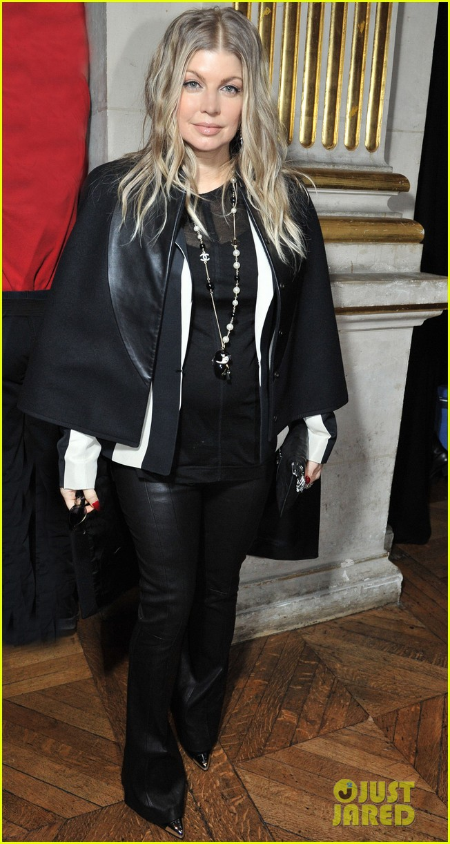 fergie balmain fashion show with cher 132822985
