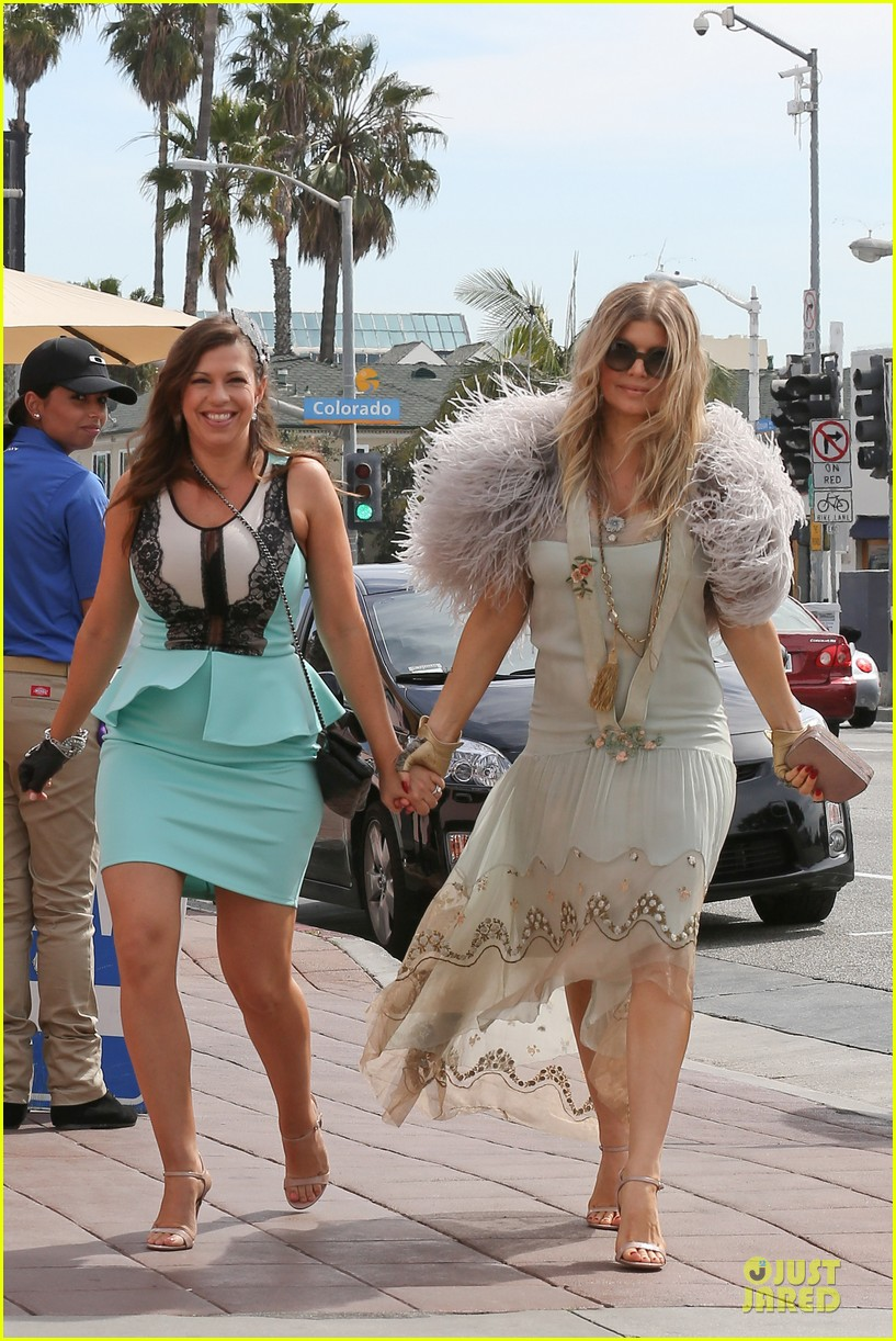 fergie bridal shower with sister dana 25