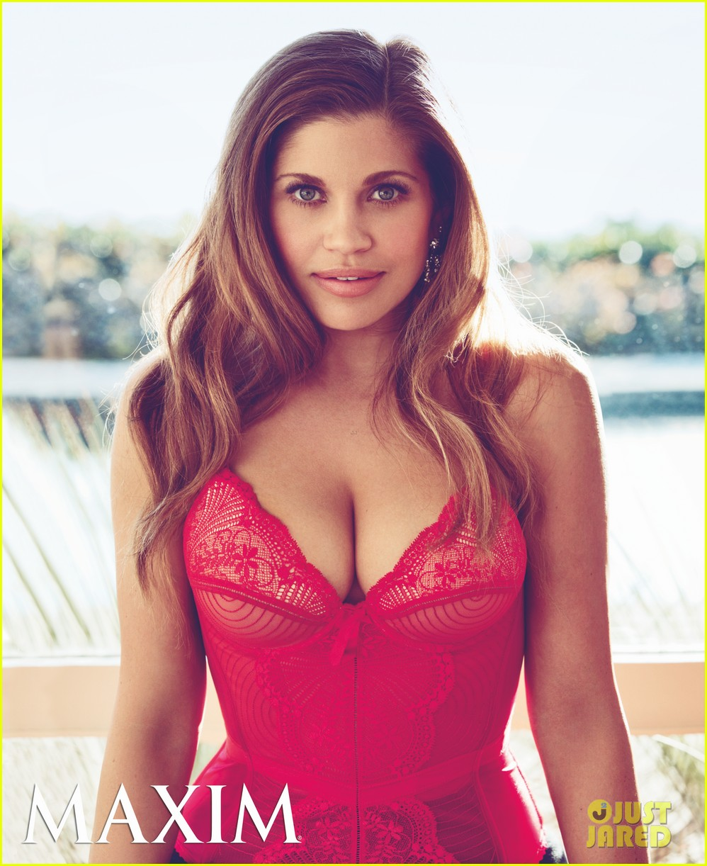 danielle fishel lingerie shoot for maxim april 2013 02