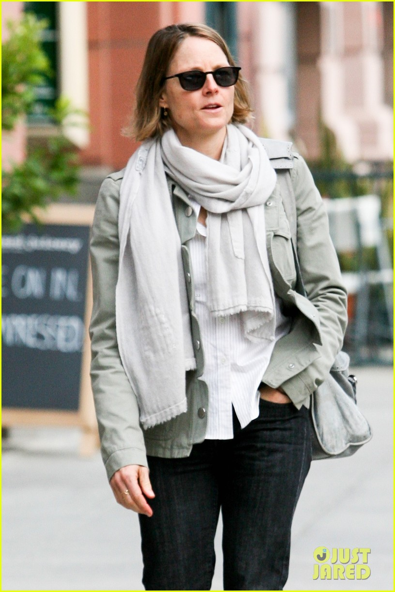 jodie foster errands after tennis match with charlie kit 07