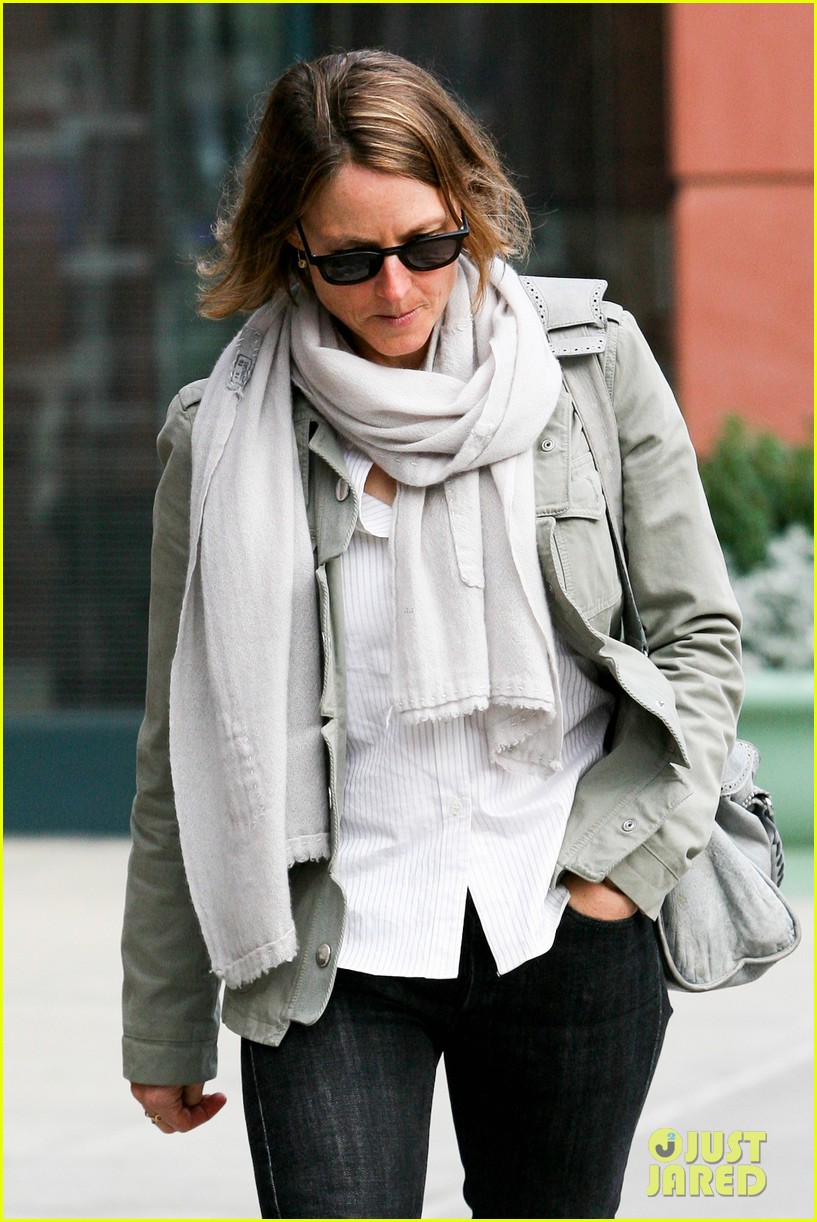 jodie foster errands after tennis match with charlie kit 10