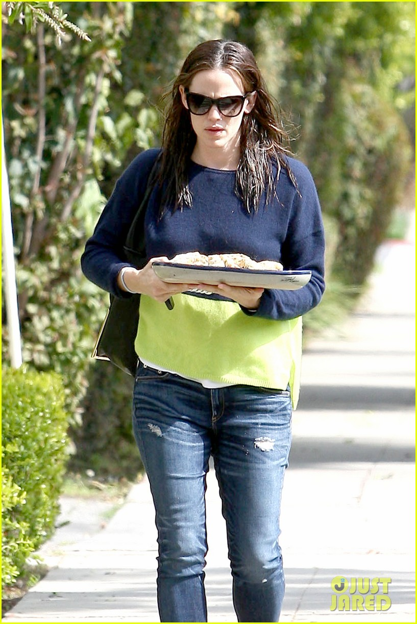 jennifer garner baked goods for violet 042839204