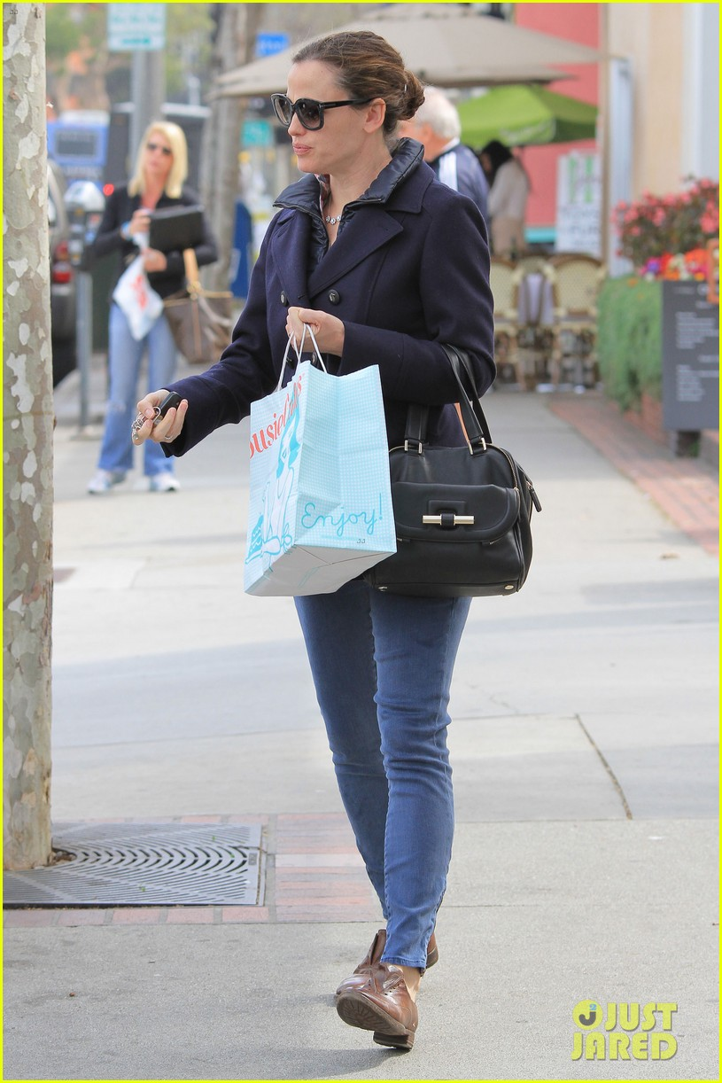 jennifer garner ben affleck morning coffee run with sera 14