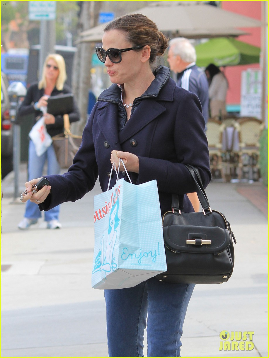 jennifer garner ben affleck morning coffee run with sera 15