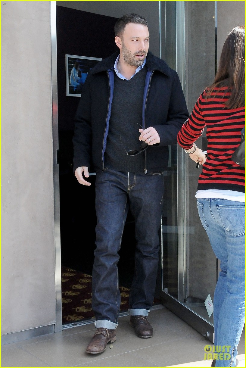 jennifer garner ben affleck piano shopping couple 21