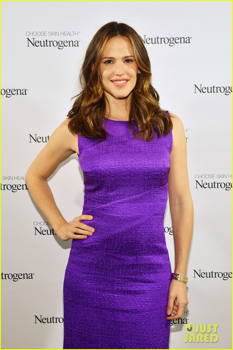 jennifer garner neutrogena sun summit 04