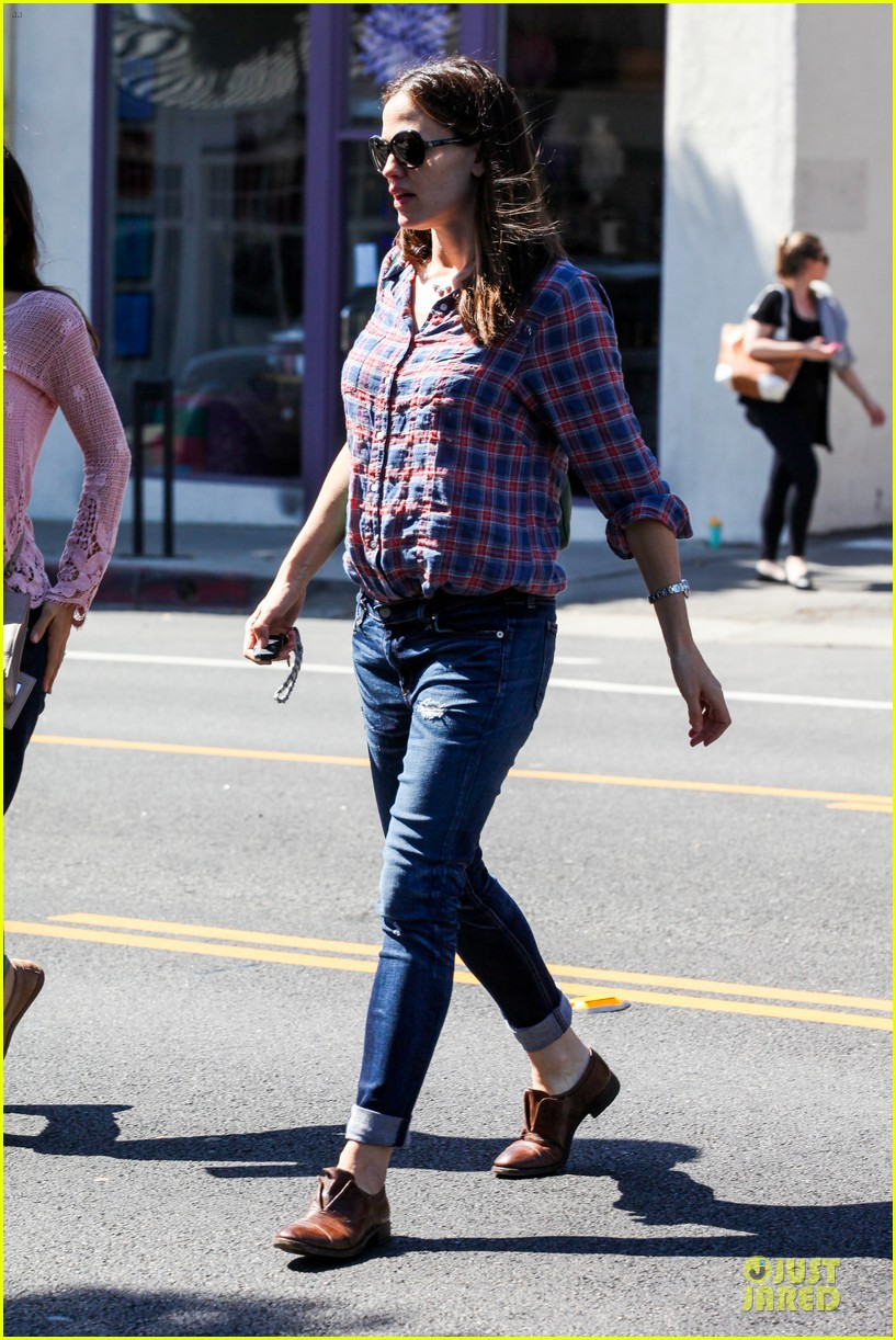 jennifer garner its against the law not wear sunscreen 21