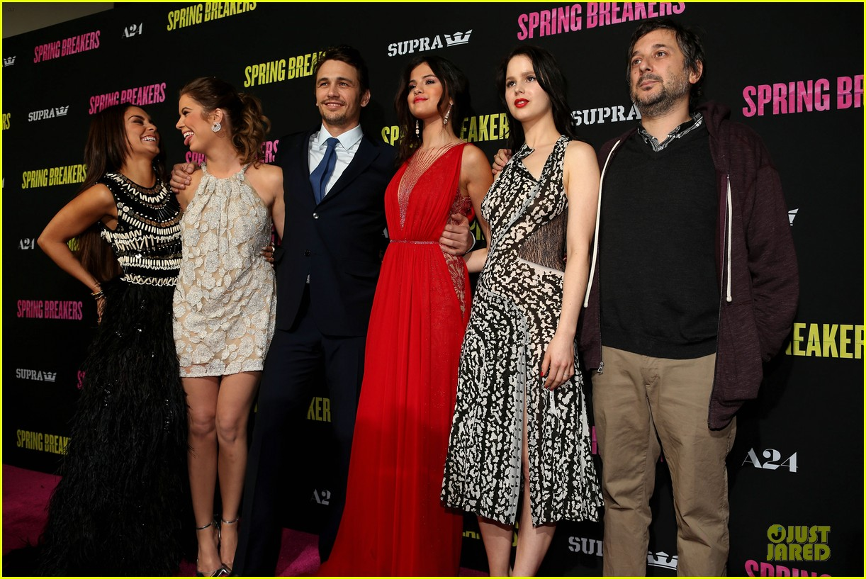 selena gomez rachel korine spring breakers hollywood premiere 04