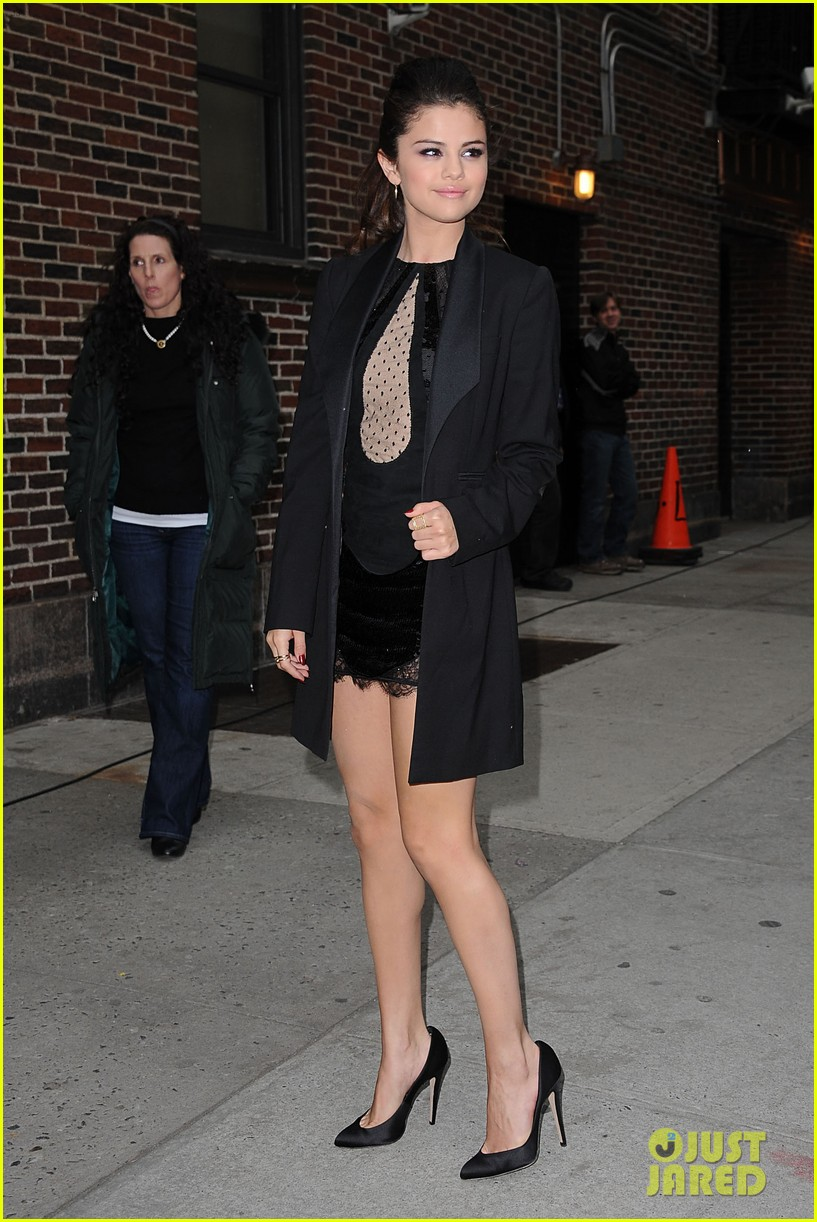 selena gomez late show with david letterman appearance 04