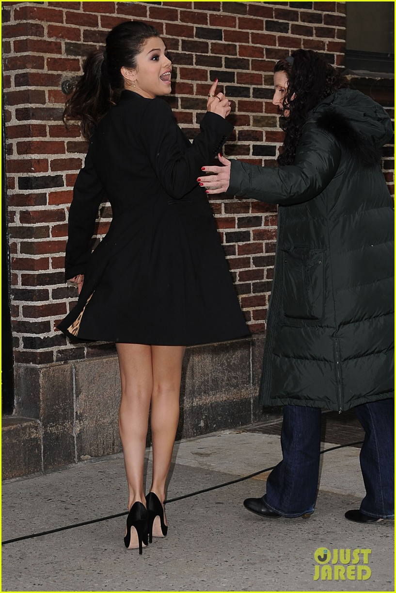 selena gomez late show with david letterman appearance 05