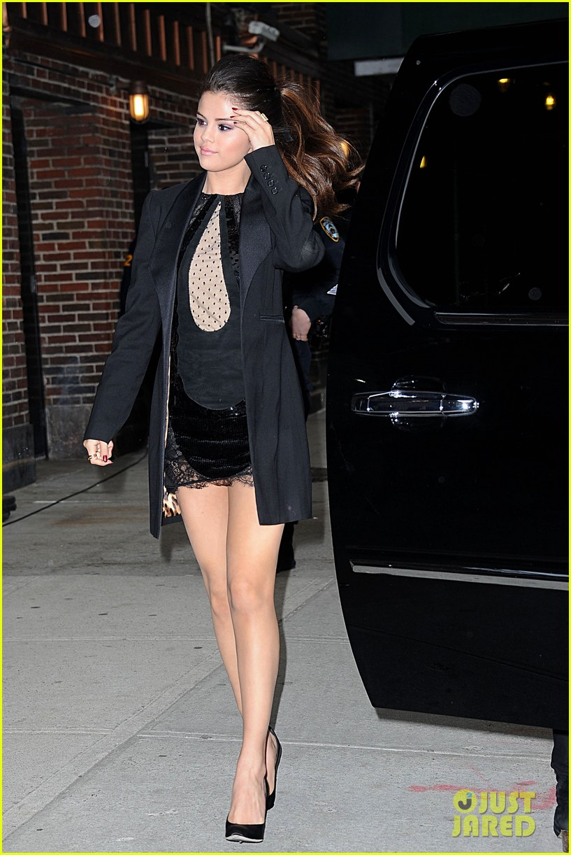 selena gomez late show with david letterman appearance 18