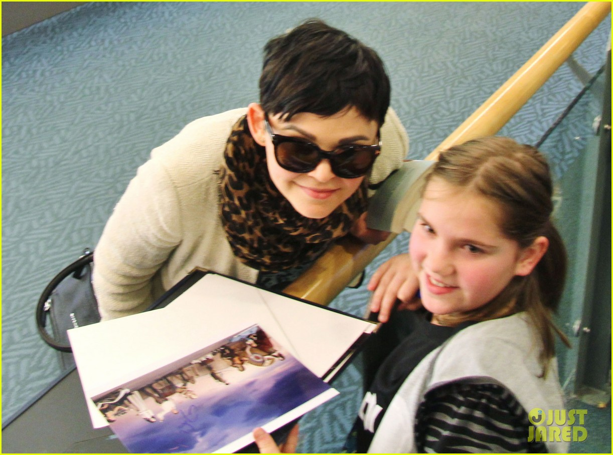 ginnifer goodwin its hard playing two characters on once upon a time 06