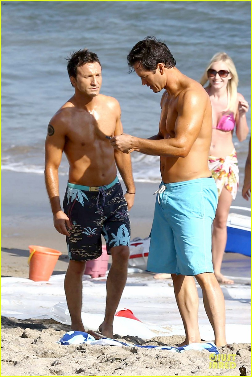mark paul gosselaar breckin meyer shirtless franklin bash duo 242836035