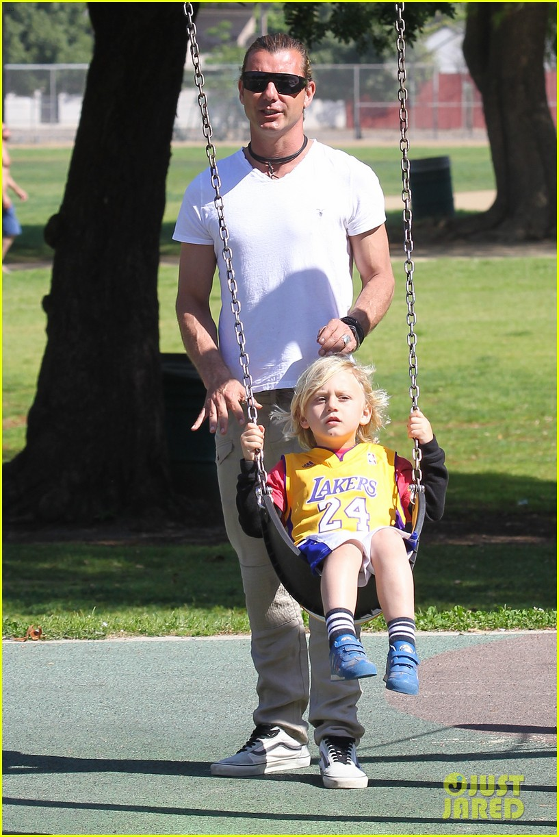 gwen stefani gavin rossdale family fun at the park 13