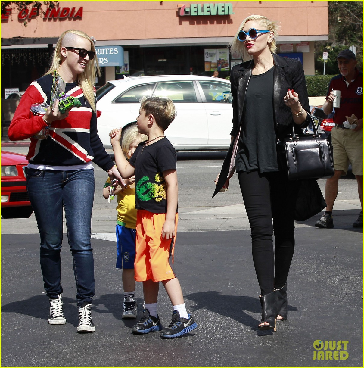 gwen stefani target trip with kingston zuma 372824205