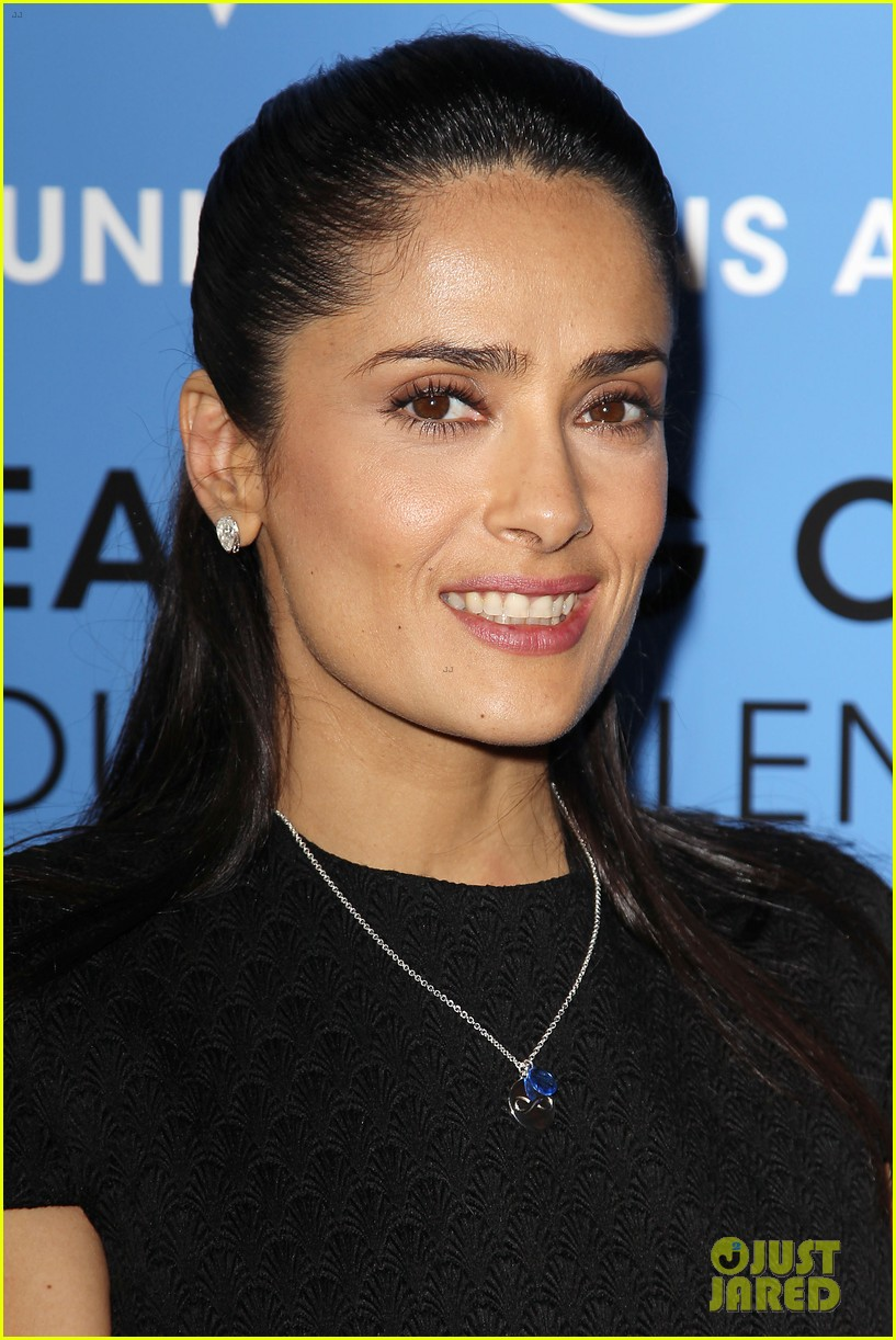 salma hayek avon communication awards 2013 09