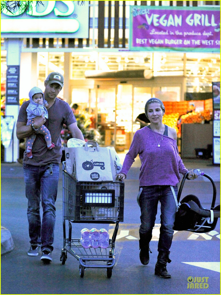 chris hemsworth elsa pataky whole foods family run 05
