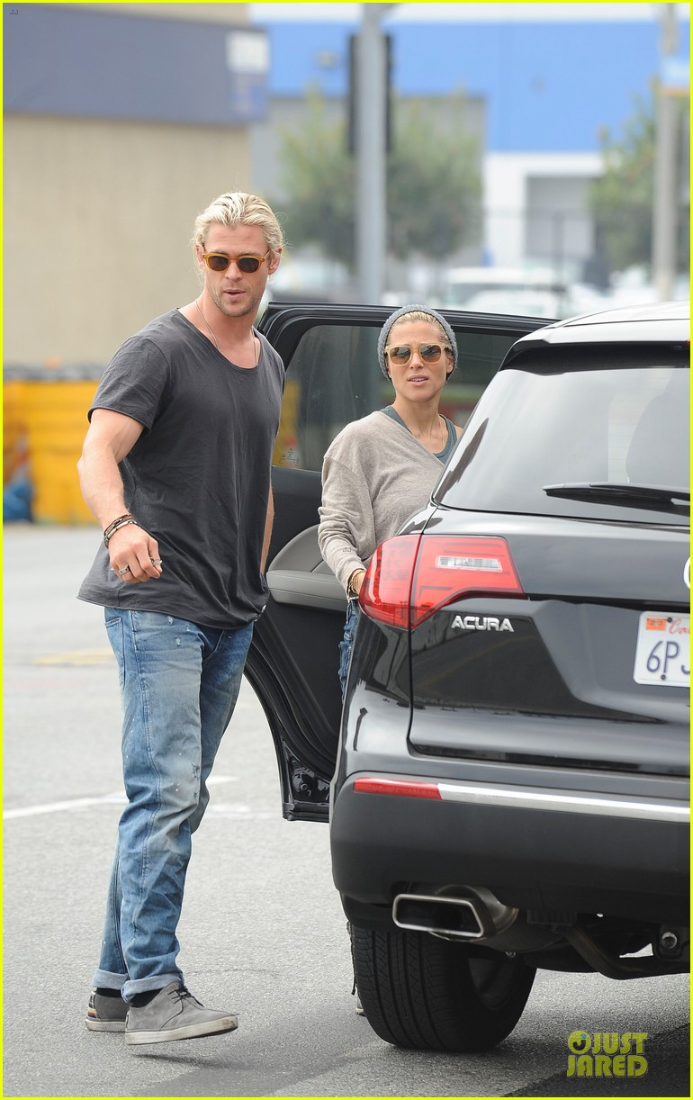 chris hemsworth elsa pataky rug shopping with india 06