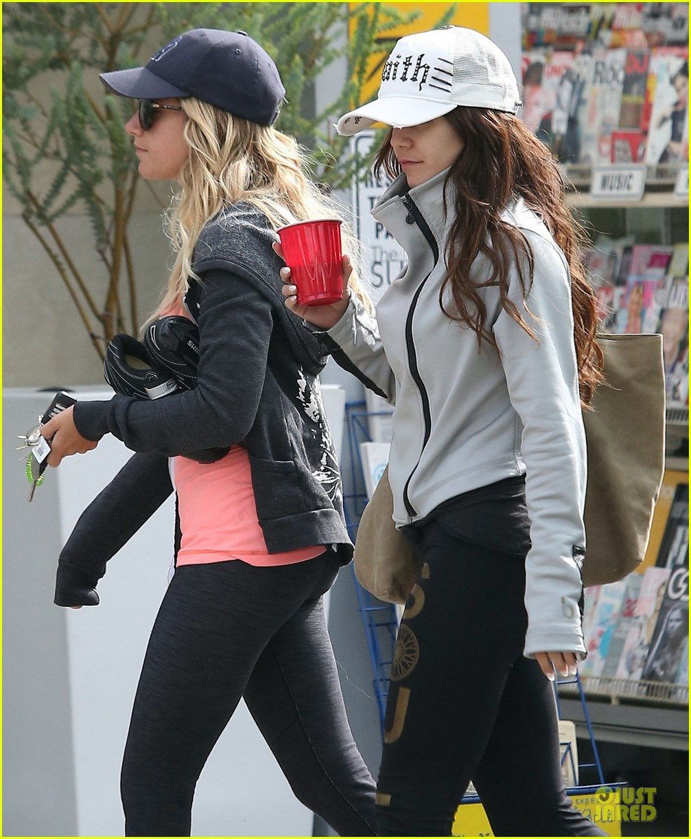 vanessa hudgens gym workout with ashley tisdale 152833934