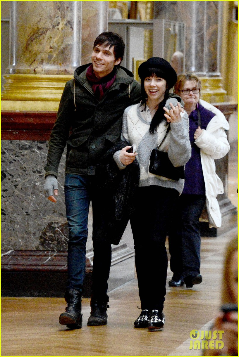 carly rae jepsen matthew koma louvre lovebirds 07