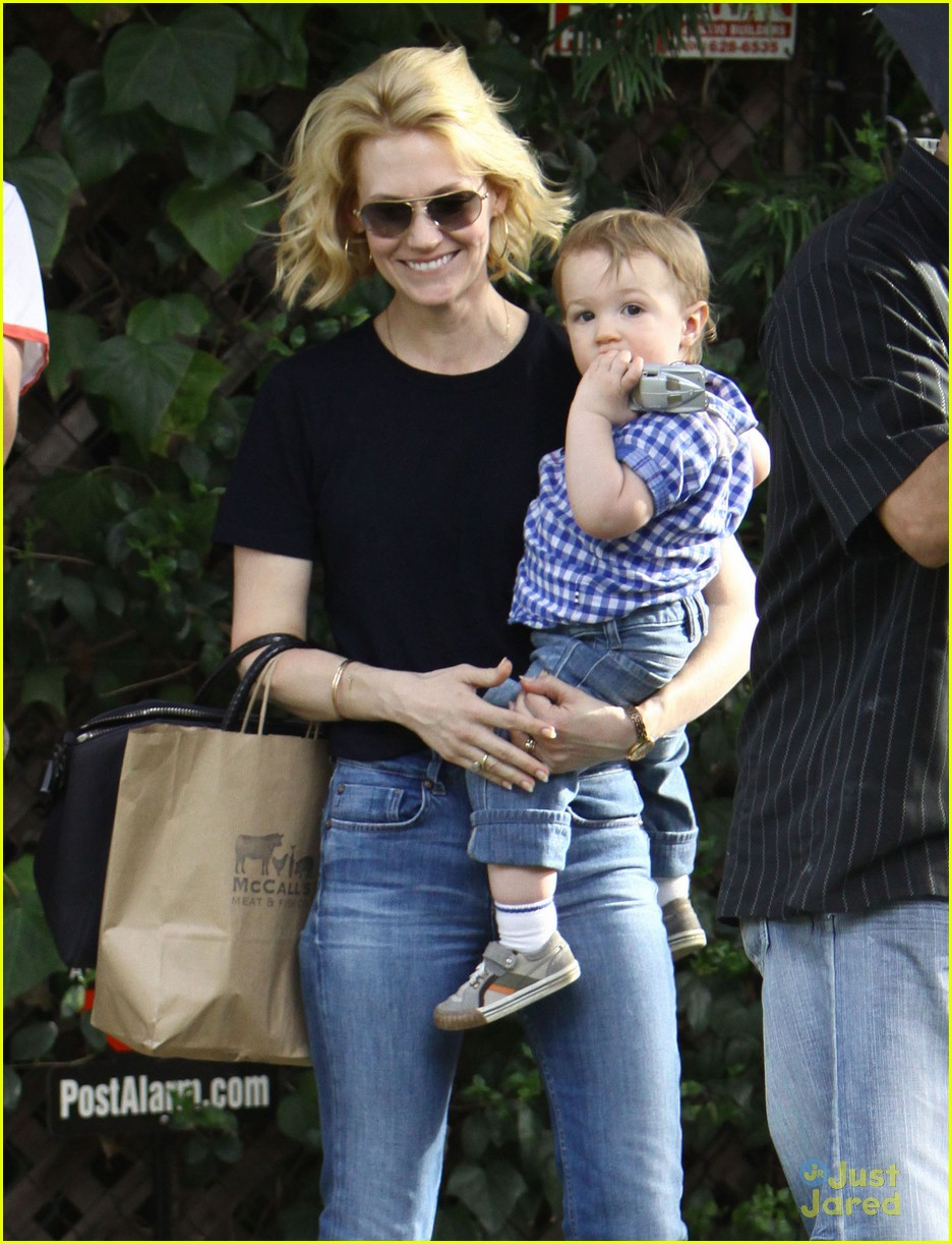 january jones xander le pain quotidien lunch 04