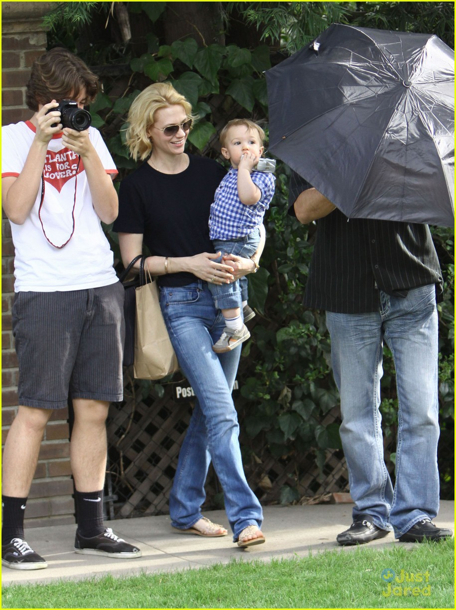 january jones xander le pain quotidien lunch 64
