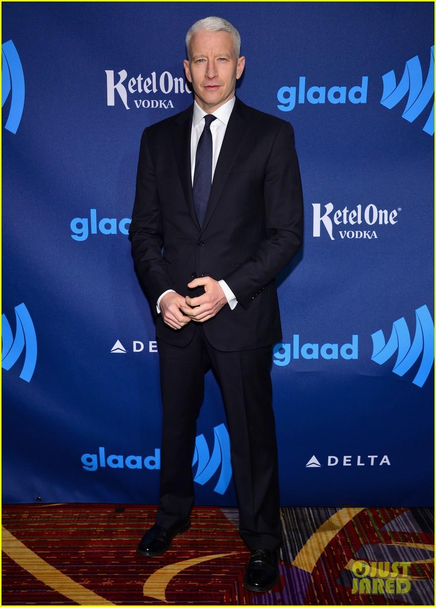 milla jovovich anderson cooper glaad media awards 06