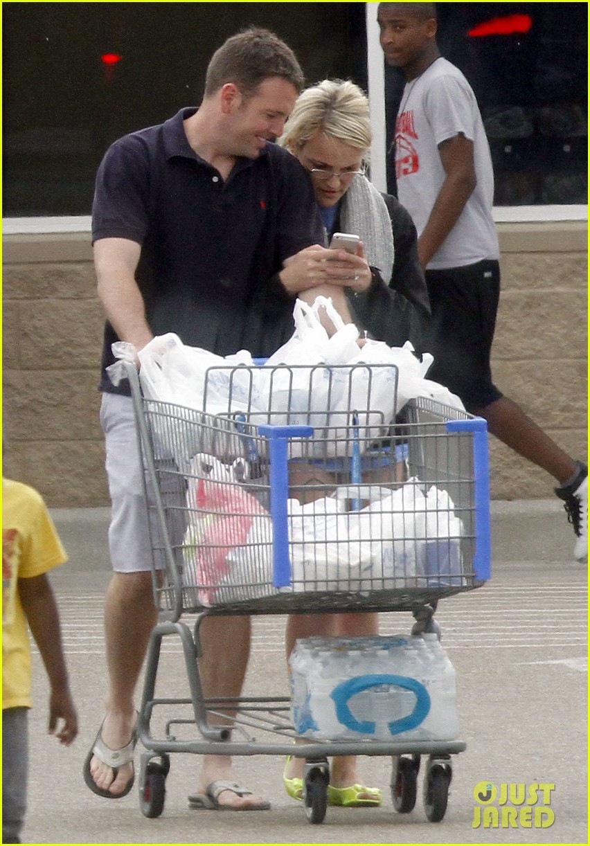 jamie lynn spears grocery shopping with jamie watson 05