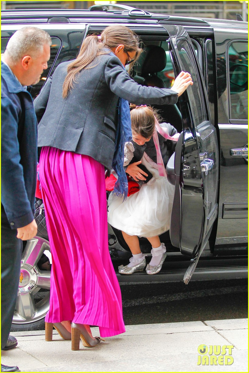 katie holmes easter party with suri 13