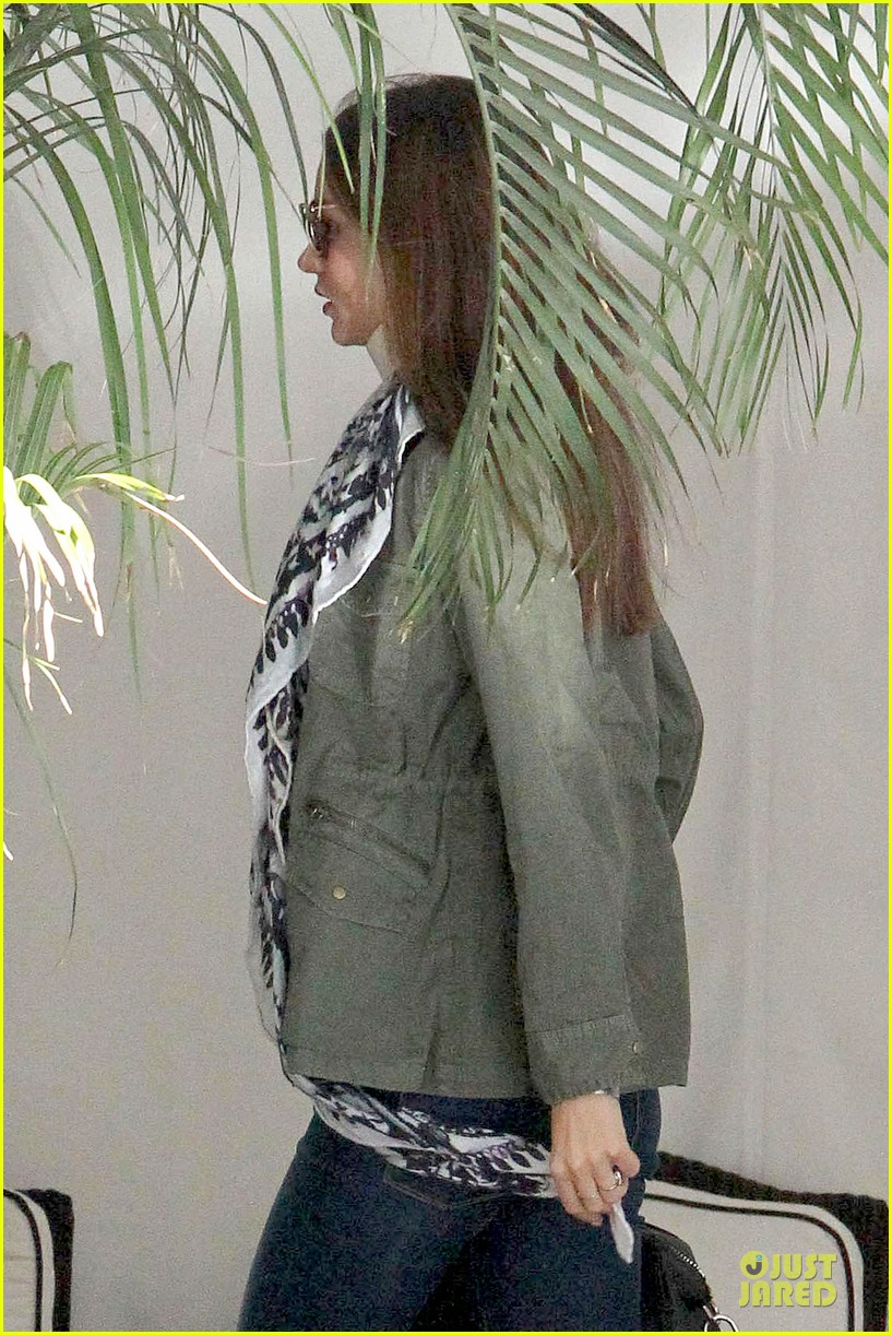 miranda kerr neck brace medical visit 08