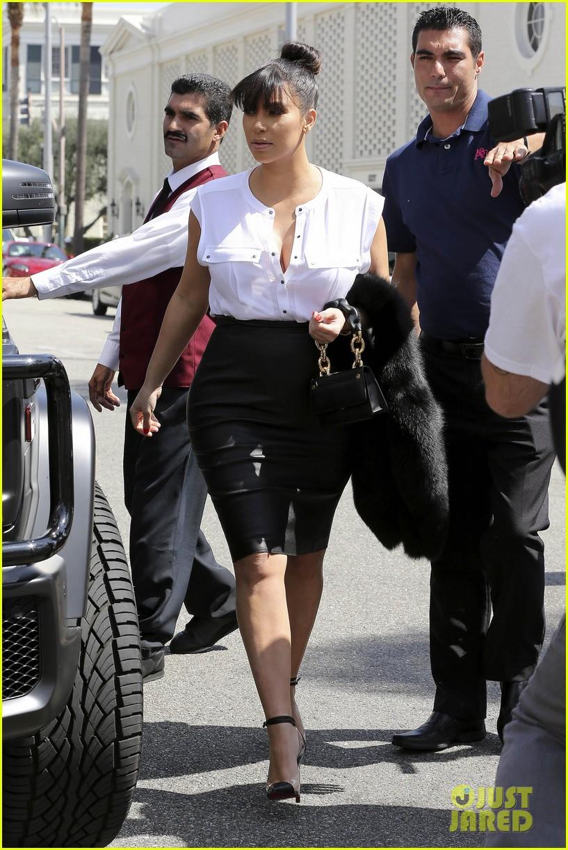 kim kardashian pregnant il pastaio lunch 01