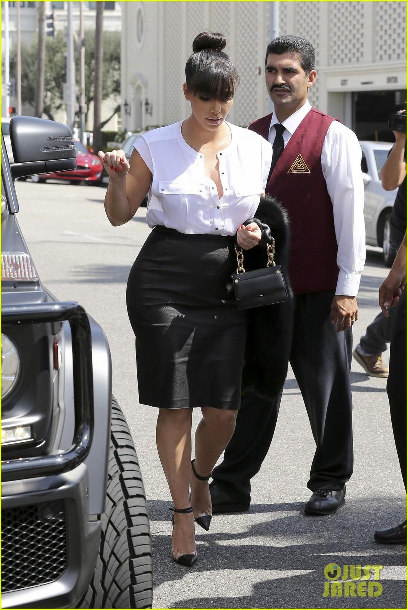 kim kardashian pregnant il pastaio lunch 102835185