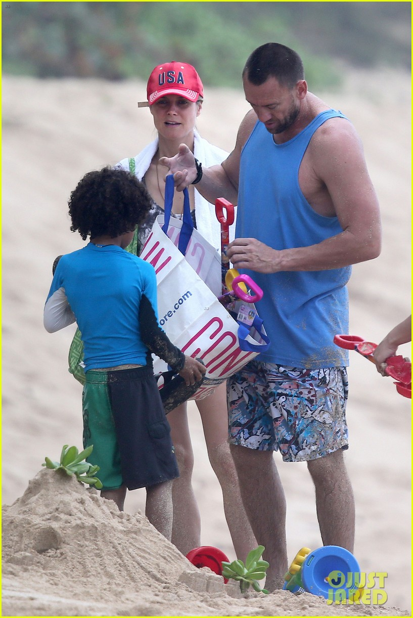heidi klum martin kirsten hawaii beach day with the family 05