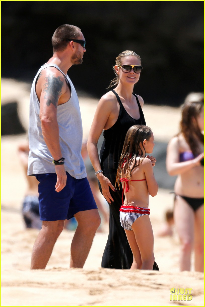 heidi klum martin kirsten beach picnic with the kids 072840313