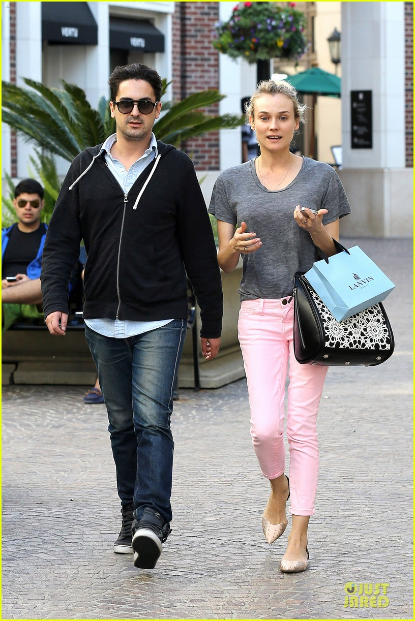 diane kruger pink shopping day 01