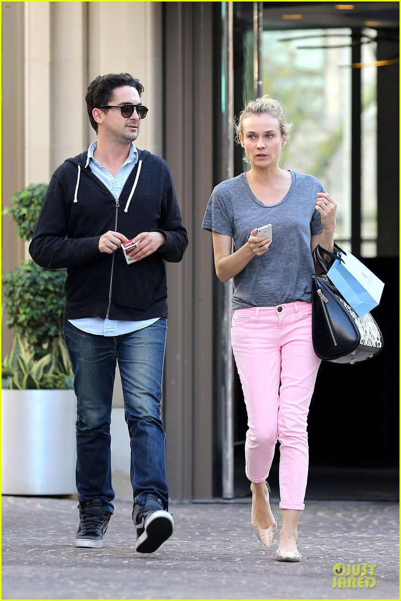 diane kruger pink shopping day 062829617