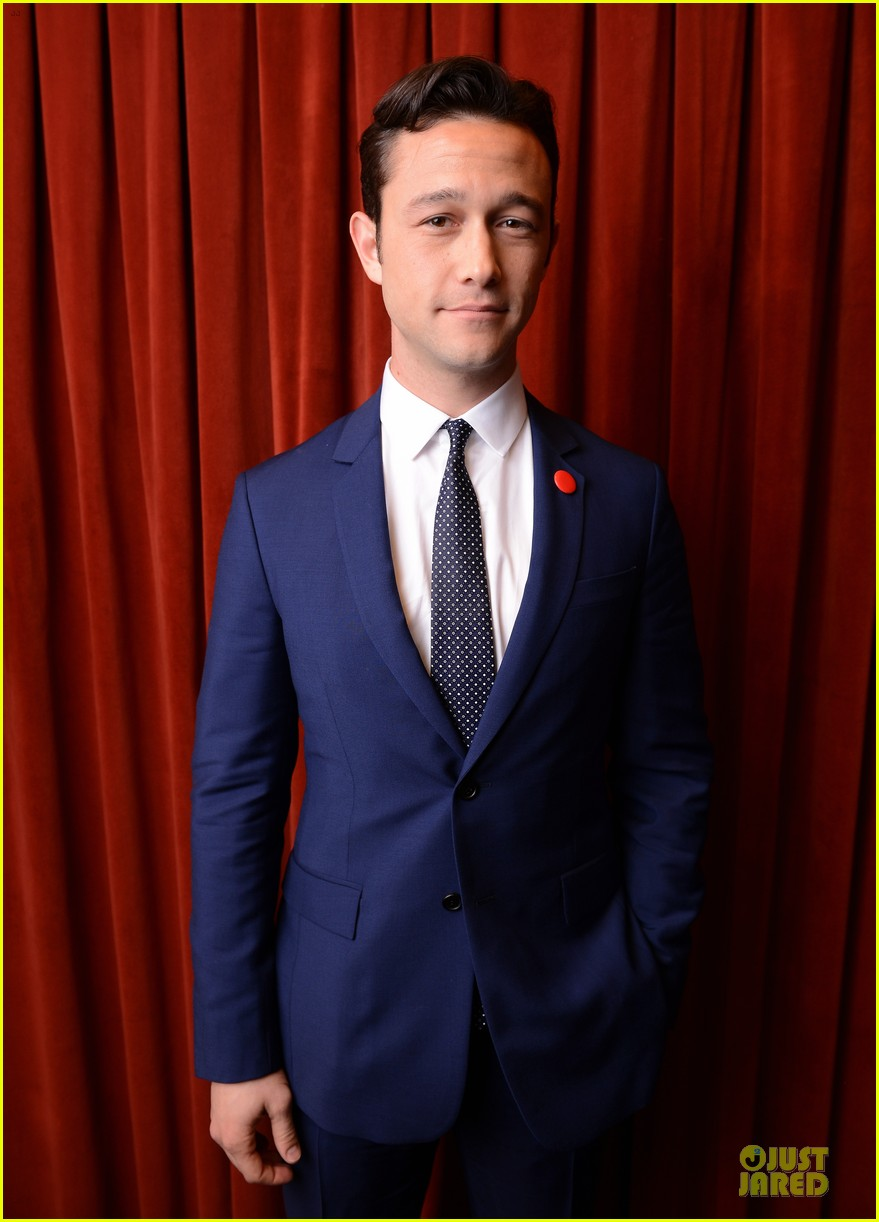 joseph gordon levitt don jon addiction photo op at sxsw 02