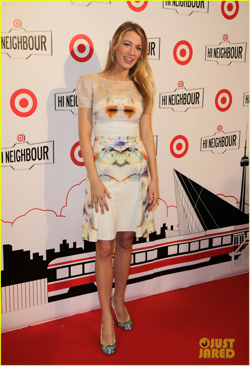 blake lively sarah jessica parker target launch in canada 12