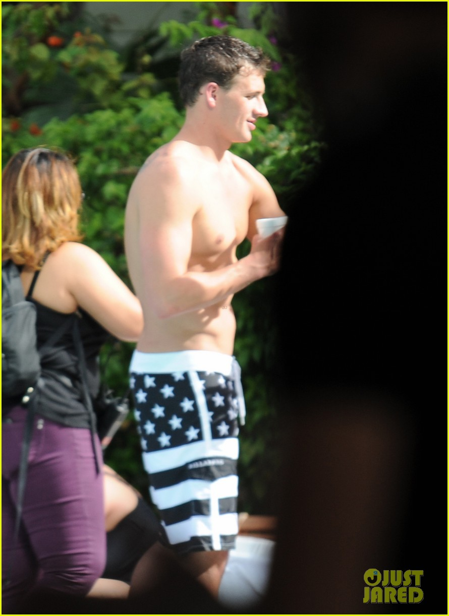 ryan lochte what would ryan lochte do beach filming 03