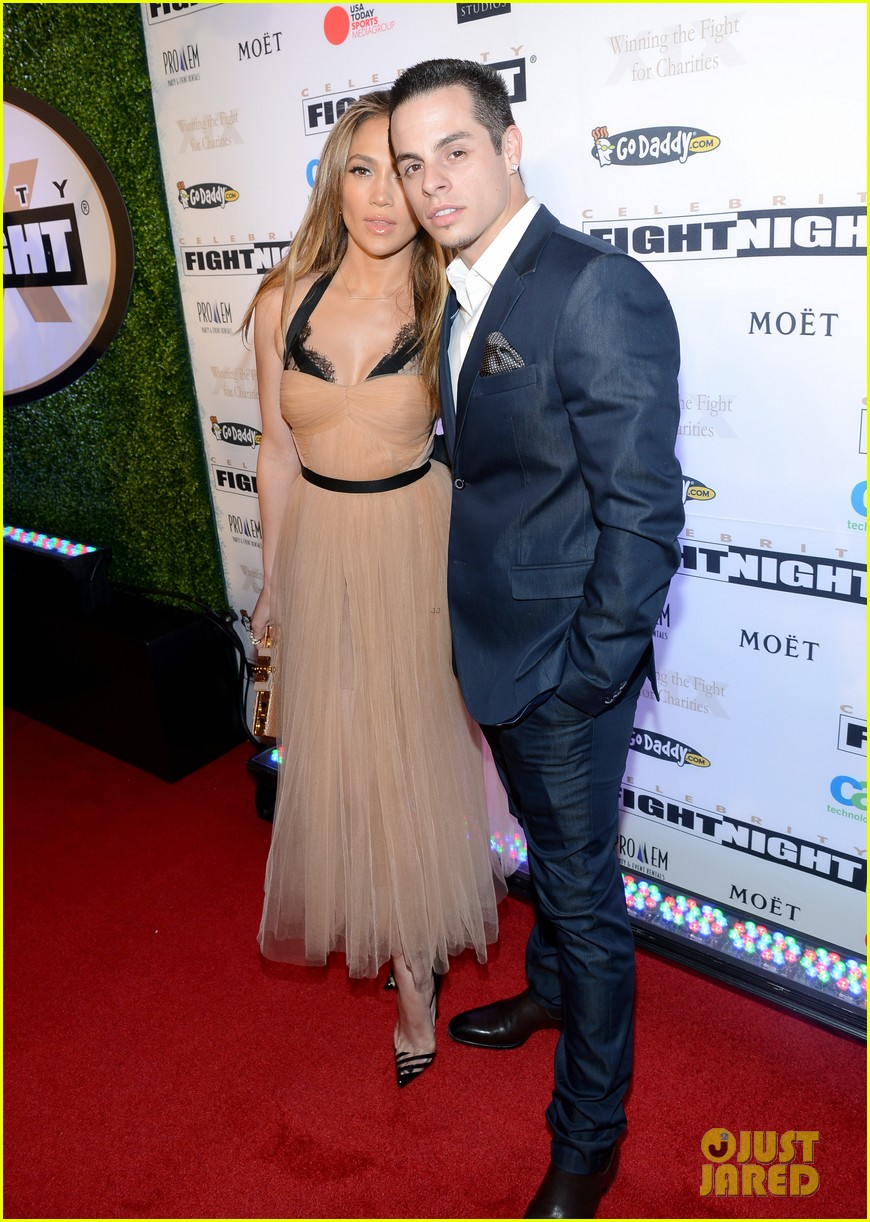 jennifer lopez celebrity fight night with casper smart 152836618