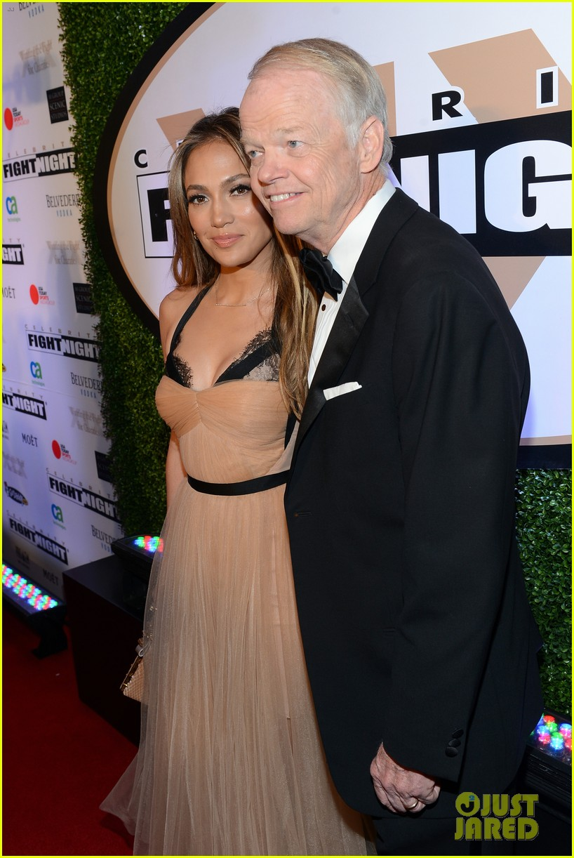 jennifer lopez celebrity fight night with casper smart 202836623