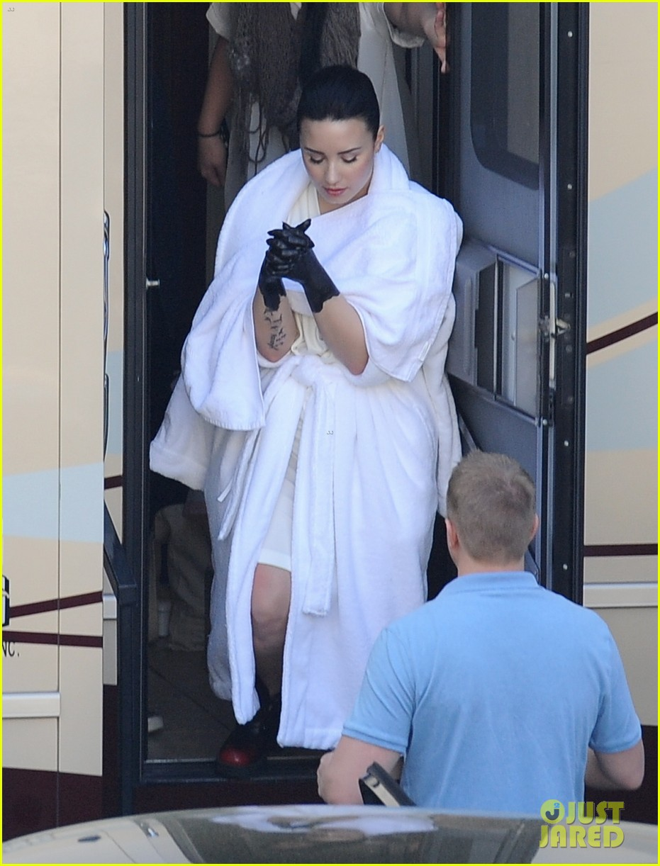 demi lovato black painted hands on heart attack video set 082830970