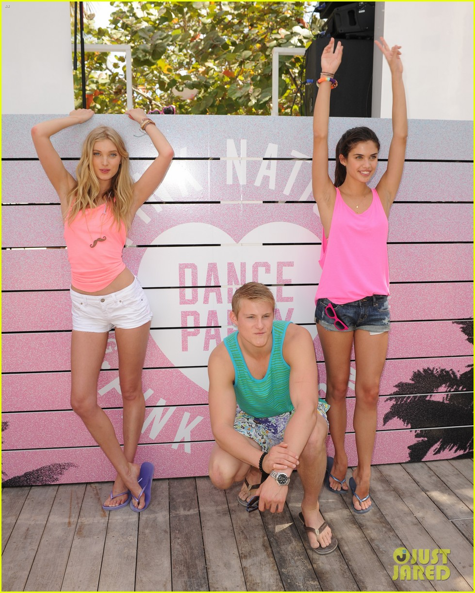 alexander ludwig hosts vs dance party 17