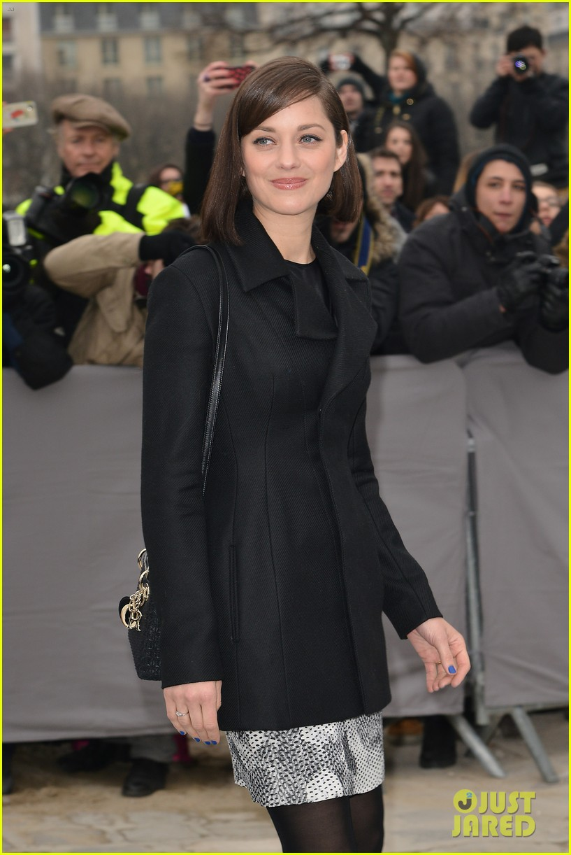 marion cotillard dior paris fashion show 07