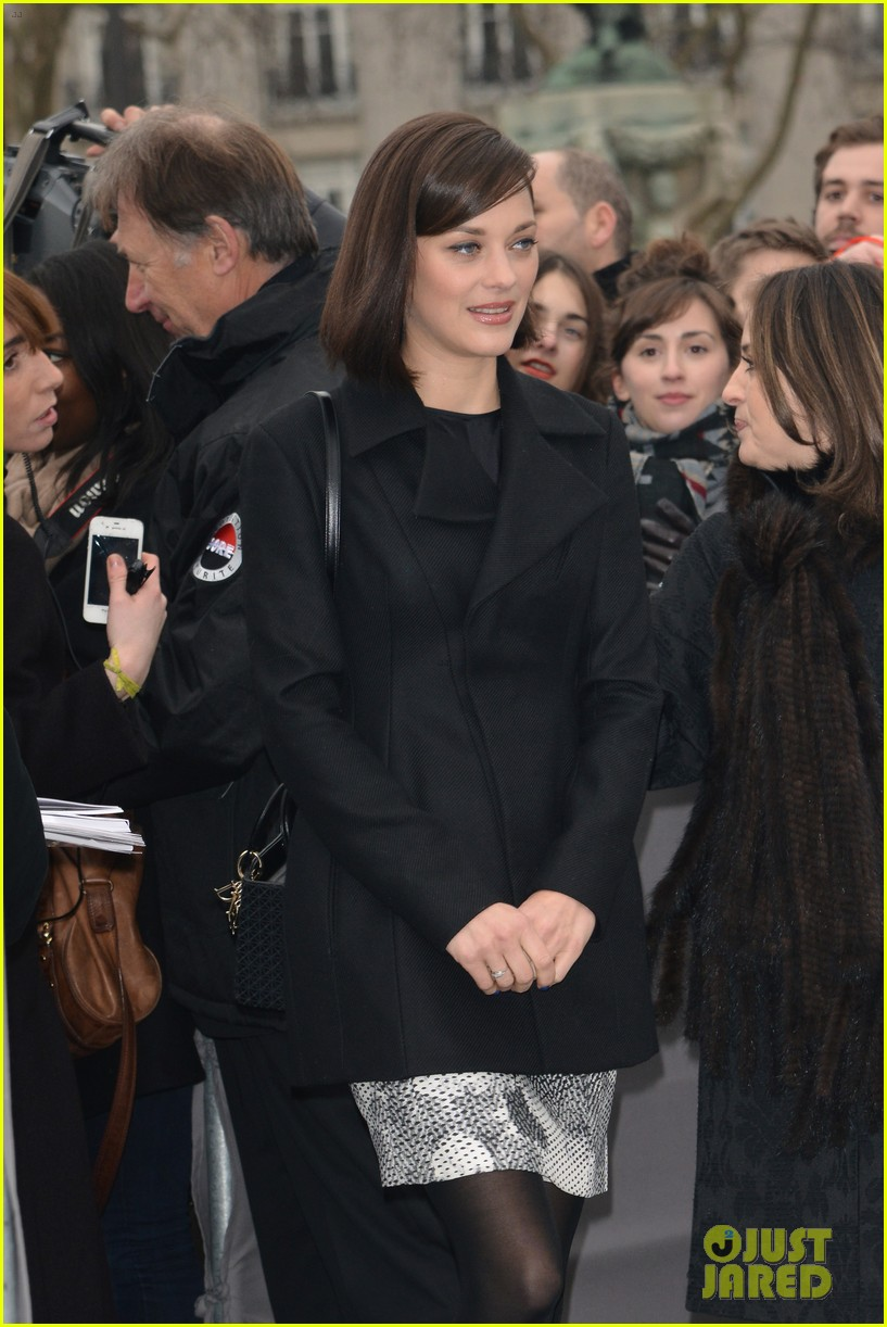 marion cotillard dior paris fashion show 08