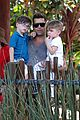 ricky martin taronga zoo with matteo and valentino 04