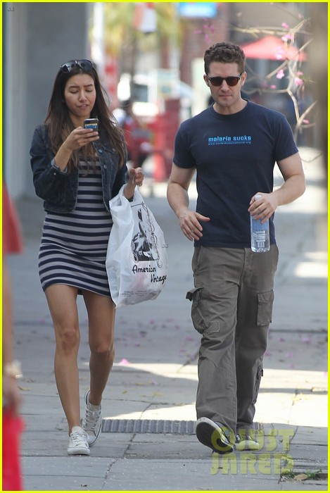 matthew morrison renee puente shopping duo 04